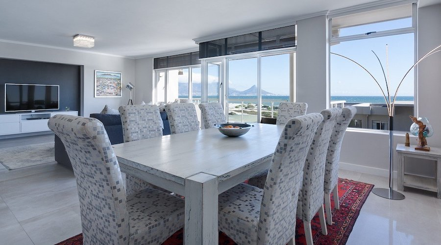 6 tips for setting up a dining room
